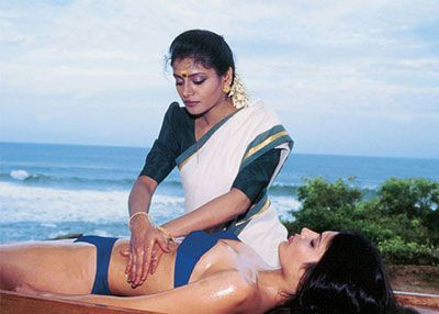 massaggio abhyangam