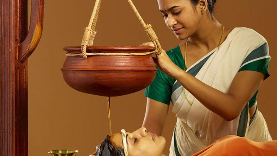 corso massaggio shirodhara