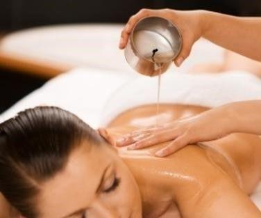 tecnica del massaggio aromaterapico con candele